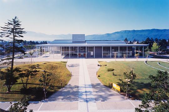 伝国の杜「置賜文化ホール・米沢市上杉博物館」