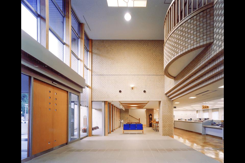 東和総合支所(旧東和町役場)