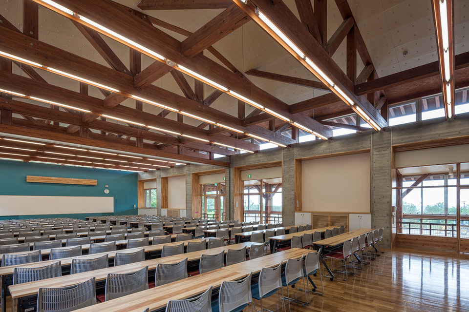 014木造トラス屋根を乗せた研修室