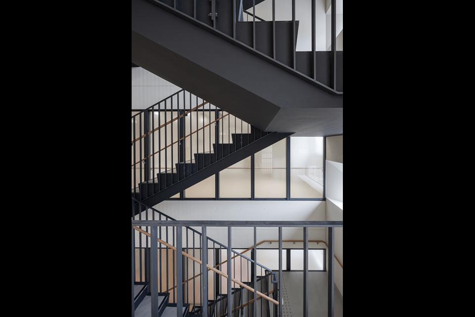 13-階段室