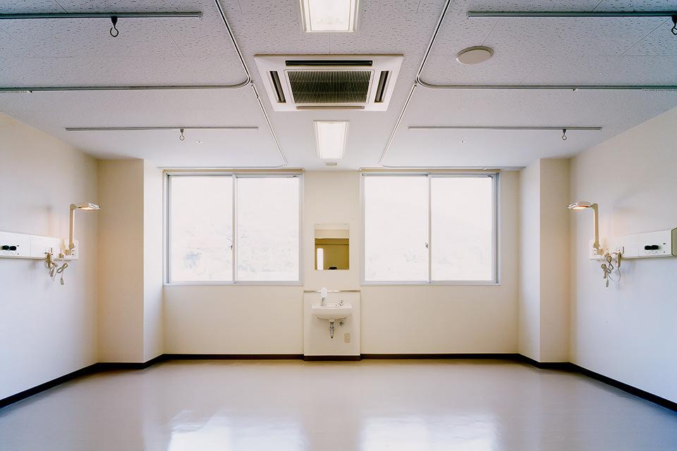 004-4床室