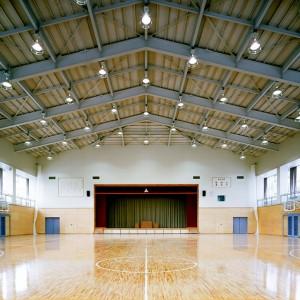 栗原市立(旧 瀬峰町立)瀬峰中学校体育館