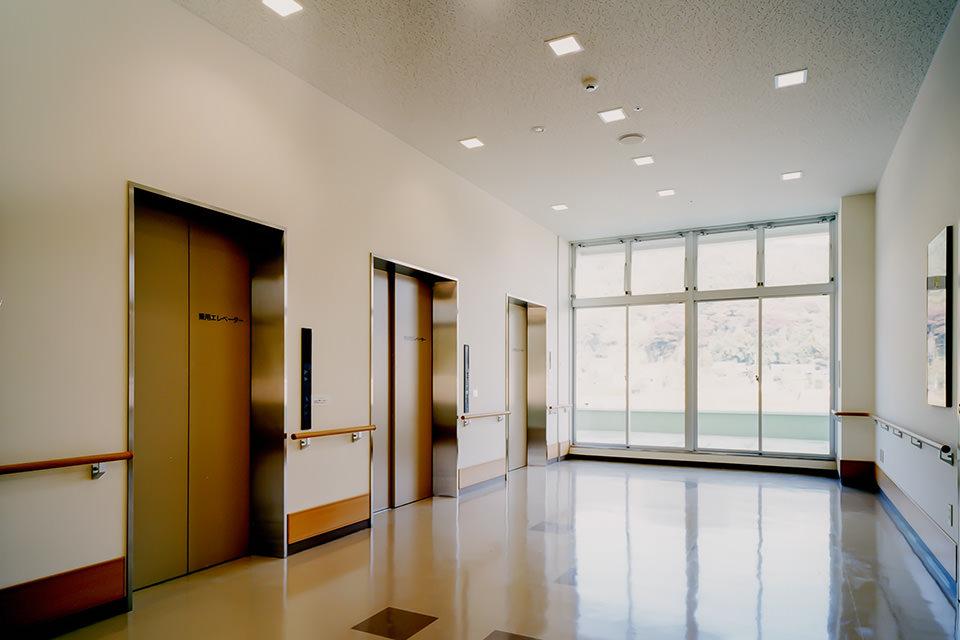 003-2階EVホール