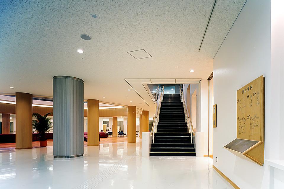 004-1階エントランスホール