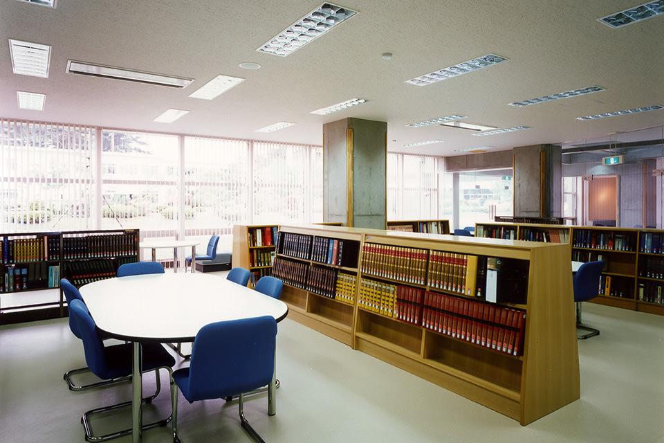 東北工業大学図書館