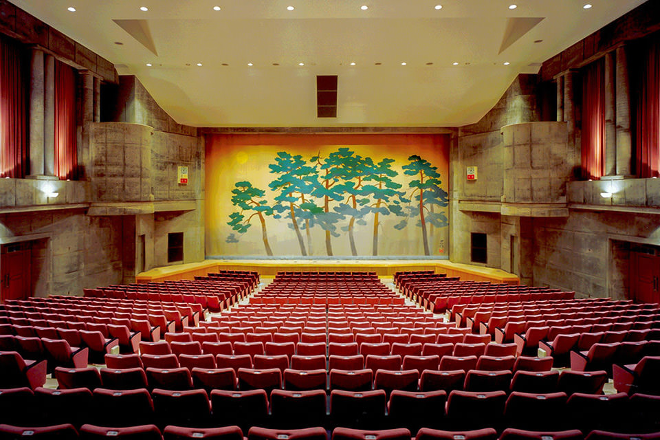 003-大ホール(800席)