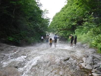 4-18_カムイワッカ湯の滝