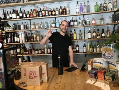 写真4ワイン屋の兄ちゃん
